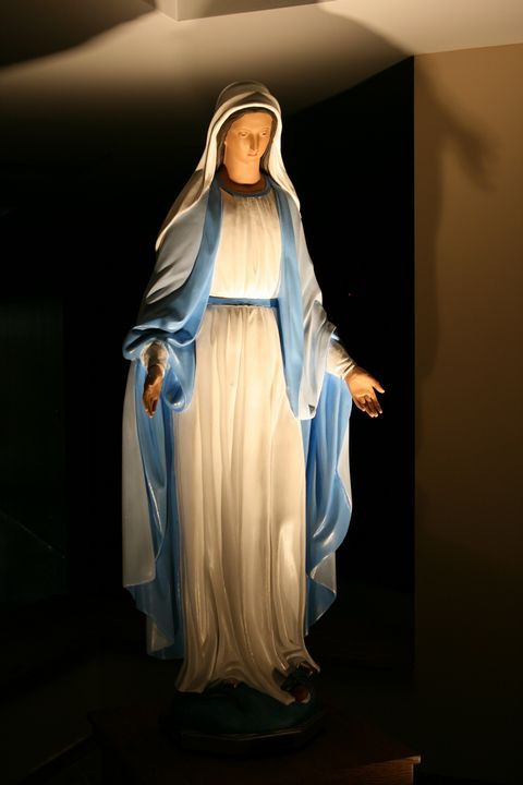 Virgin Mary statue in Immaculate Conception church, Springfield, MO