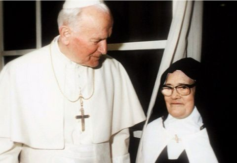 Pope John Paul II with Fatima visionary Lucia Santos