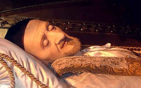 Saint Vincent de Paul, another body that will not decay naturally ever since 1660.