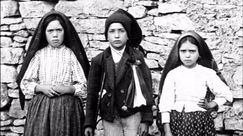 The three visionaries: Lucia, Francisco, and Jacinta in 1917.