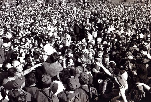 Adelaide is engulfed by larger and larger crowds.
