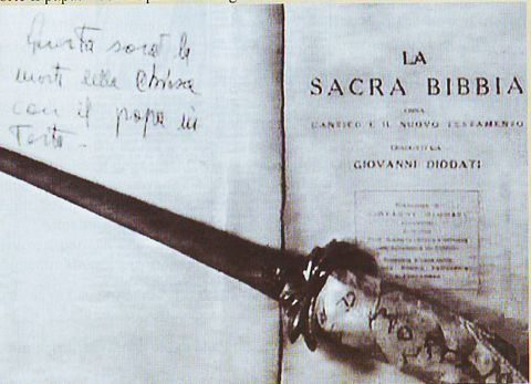 The knife that Bruno bought to kill the pope