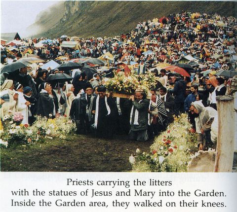 A procession to El Cajas for an anticipated apparition event