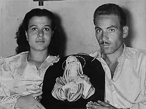 picture #5: Antonina and Angelo Iannuso with their miraculous image